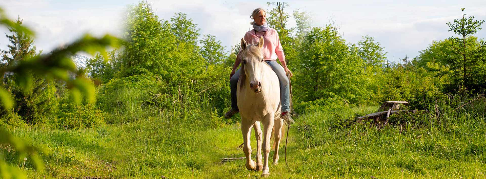 Yoga und Reiten - Yoga und Pferd mit Sonja Schett im Chiemgau
